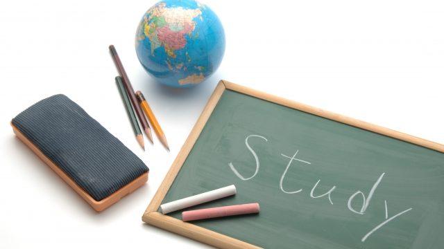 経理の転職に英語力は必要?有利になるTOEICスコアは?
