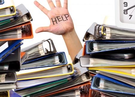 経理から営業に異動内示。望まない人事異動は即転職すべき?
